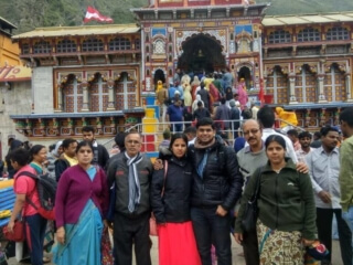 Abhinandan Family at Badrinath